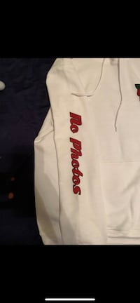 white and red Supreme crew neck shirt Los Angeles, 90035