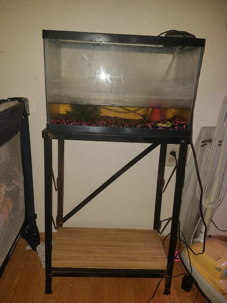 Used black frame fish tank in ovid jeuxipadfo Images