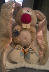 Vintage Applause 1983 Jackson Bunny Rabbit Wearing Tennis Shoes Las Vegas
