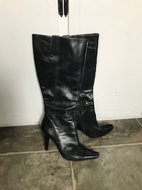 Women's leather boots size 11
