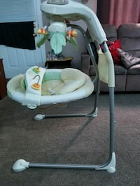 Fisher Price baby swing London, N6J 3H2