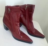 pair of brown leather side-zip chunky heeled booties 793 km