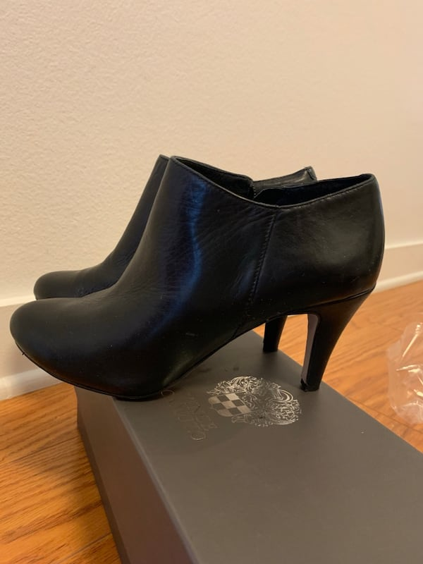 Vince Camuto Black Booties In Size 5.5 like new 53fa5582-b94f-421f-92c2-a799127792d3