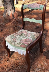 Vintage Wooden chair hand decorated Reddick, 32686