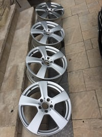 Set of 4 original(OEM)18 inches 5 bolt pattern 2012 E class Benz Rims. Mississauga, L5M 7V2
