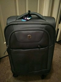 black soft-side luggage 1198 mi