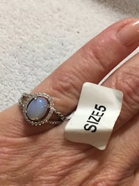 925 SILVER AND OPAL RING SIZE 5 Edmonton, T6E 0R2