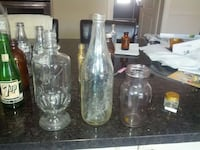 clear glass decanter and two wine glasses Beaconsfield, H9W 2K3