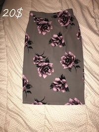 Floral skirt ( Size M ) Bakersfield, 93305
