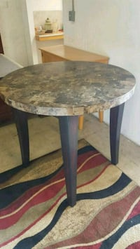 """Round table diameter 40"""" height 36"""" in great condi Plantation"""