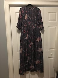 One of a kind hand-made full length with 3/4 sleeves 100% silk chiffon gown. Size: M-L. New!! Charleston, 29455