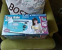 EASY BAKE OVEN NEVER USED