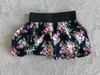 Floral Skirt size small Delta