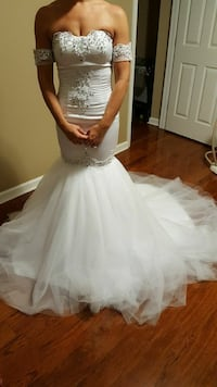 PRICED TO SELL TODAY!!! Wedding/Prom Dress