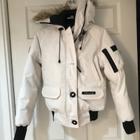 Women's authentic XS Canada Goose Bomber Mississauga, L5L 5P4