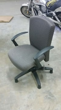 gray office rolling chair Tysons, 22102