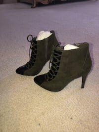 Suede and leather  booties Clinton, 20735