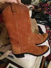 pair of brown cowboy boots 2042 mi