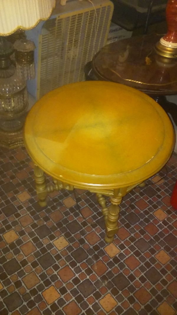 round brown wooden table top