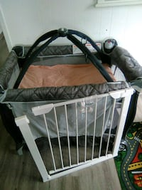 baby's gray and black travel cot Alameda, 94501