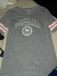 gray and white crew-neck shirt Kenly, 27542