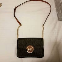 Authentic Michael Kors leather crossbody bag 550 km