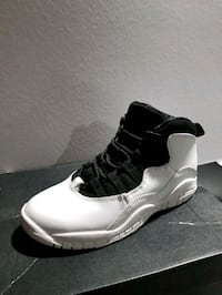 Youth Jordan 10 Retro Salem