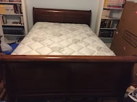 Sturdy full-size bedroom set 45 km