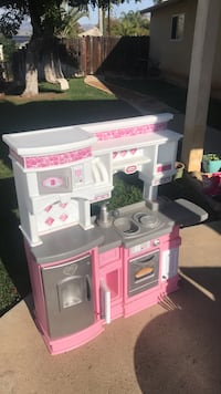 white and pink plastic kitchen playset 2229 mi