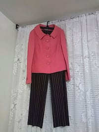 new woman classic suit size 6 Toronto, M2R 2A3