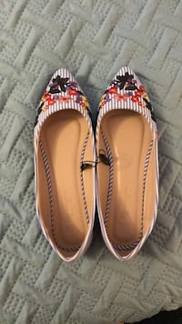 Size 7 shoes  Mississauga, L4W 2E2