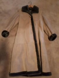 vintage women's shearling coat Nestleton Station, L0B 1L0