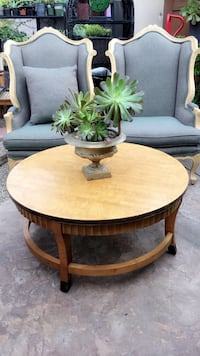 Coffee table & chairs