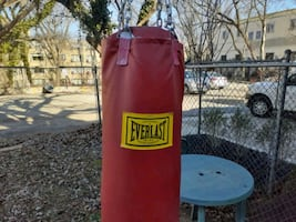 Heavy bag with changes