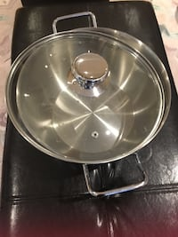 stainless steel cooking pot with lid Toronto, M2J 3M9