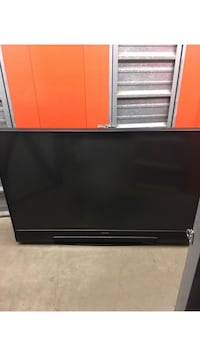 82 inch Mitsubishi 3D projection TV Woodbridge, 22192