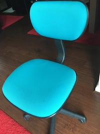 blue and black office rolling chair Upper Marlboro, 20772