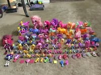 Huge Collection of My Little Pony Figures/ Dolls toy (104 Pieces) 591 mi
