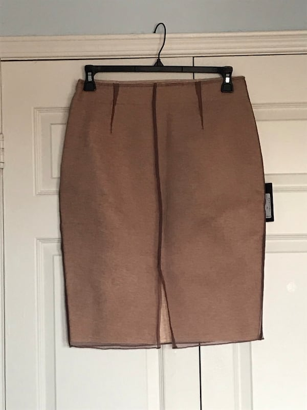 Guess Marciano Skirt (Size: Large)(new, tags on) 4cf2fc5b-ff4c-42ff-958a-8555573fd192