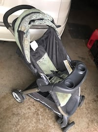 Stroller works with infant seat