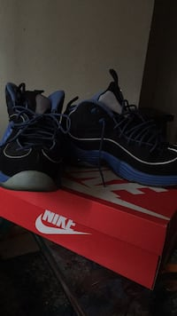 Shoes size 8 only worn 4 times  Moreno Valley, 92553