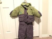 West Lake Girls Snow suit, size 2. (Two piece)**smoke free home and good condition**  2467 km