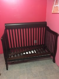 3 year old crib! In great condition! Doesn't come with mattress!  Calgary, T2B 2C8