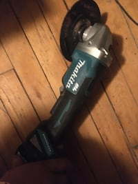 Makita cordless grinder with battery Gatineau, J8X 3S3