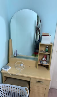 Vanity mirror with drawer