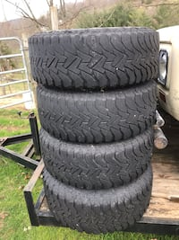 Jeep wheels and A/T tires