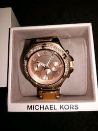 round gold Michael Kors chronograph watch with lin Butler County, 45011