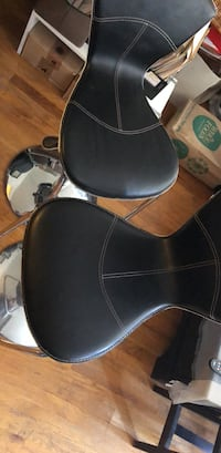 Two Adjustable Chairs New York, 11377