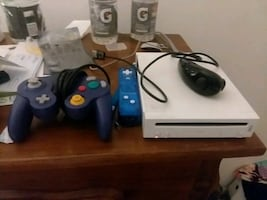 Modded nintendo wii thousand of built in games, nes, gba, wii, gamecub