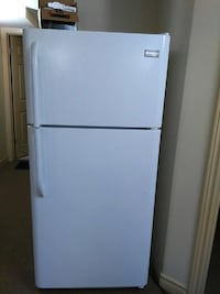 white top mount refrigerator Windsor, N9G 3B4